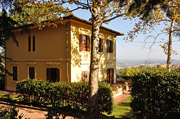 Set In The Pisan Hills In Picturesque Chianni, This Is A Truly Unspoilt  Part Of Tuscany Which Serious Tourism Has Not Reached.
